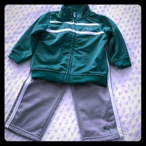 Puma Green & Grey outfit with two white stripes